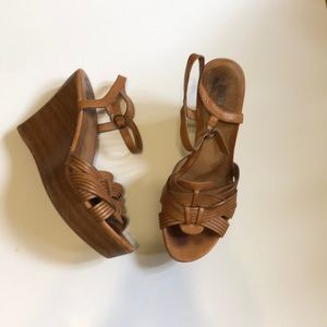 Ugg women's brown wedges size 9